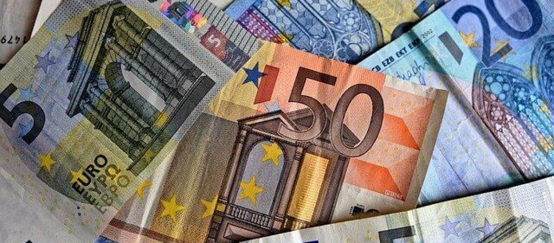 ייעוץ כלכלי מנהל כספים ליווי עסקי